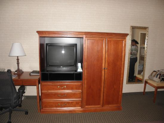 BEST WESTERN PLUS The Inn at King of Prussia: Tv