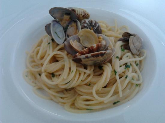 Lazzarella: ottimo spaghetto con le vongole