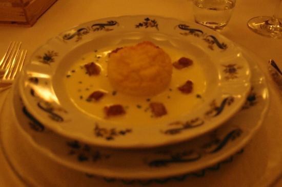 Ristorante Maso Burba: sufflè di polenta in crema di casolet e lucanica