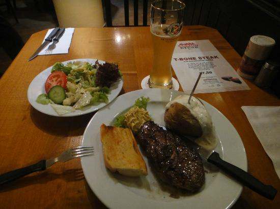 Asado Steak Färbergraben: Delicious but a little too much for me that night
