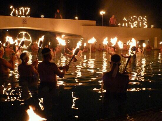 Mitsis Rodos Maris Resort & Spa: fire ceremony in the pool