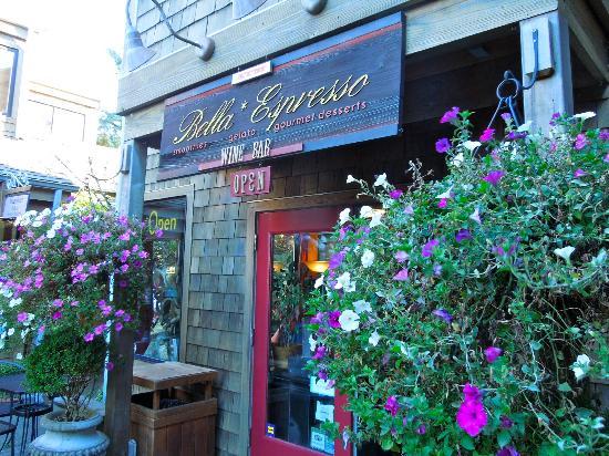 Bella Espresso: Outside