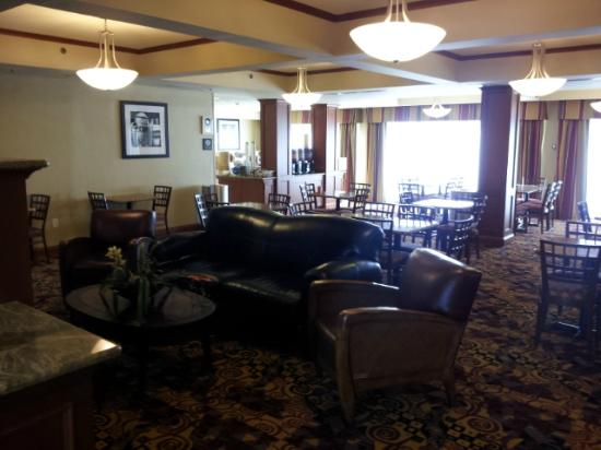 Hampton Inn Martinsburg: Breakfast area