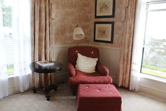 Lilianfels Blue Mountains Resort & Spa: Lovely comfy chair