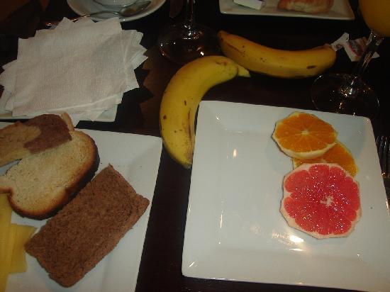 Real Colonia Hotel & Suites: El desayuno