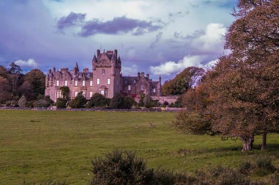 Castle Kennedy Gardens: Castle