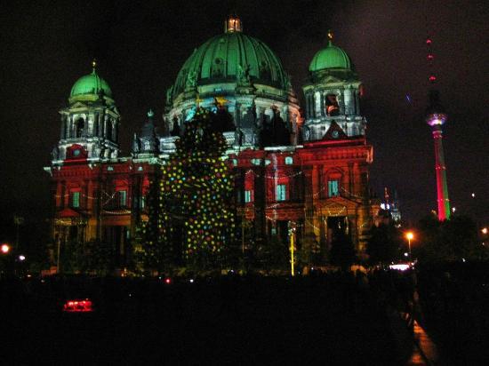 Berlin Cathedral: Berliner Dom during Festival of Lights