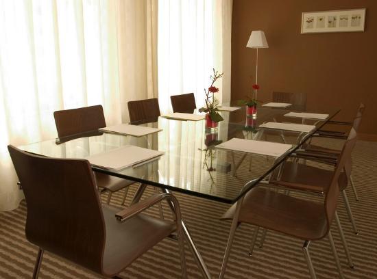 Mamaison Residence Diana Warsaw : Meeting Room