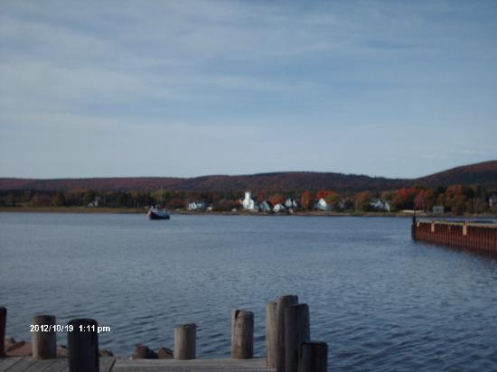 Ye Olde Towne Pub : Granville Ferry from Annapolis Royal