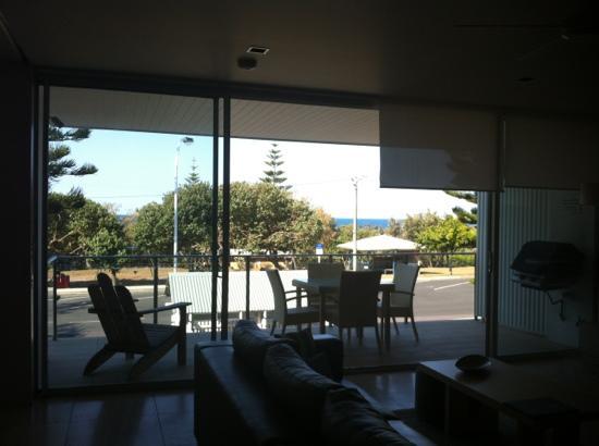 Plantation Resort at Rainbow: Balcony facing the beach
