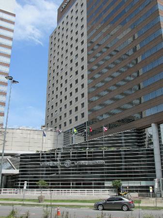 Pullman Sao Paulo Vila Olimpia Hotel: The hotel front