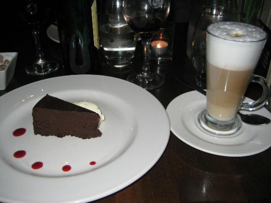 The Cornstore: FLOURLESS CHOCOLATE CAKE & CAFE LATTE