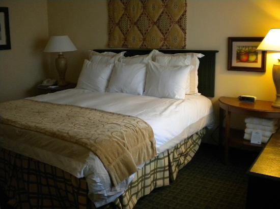 Marriott's Willow Ridge Lodge: Comfy king bed