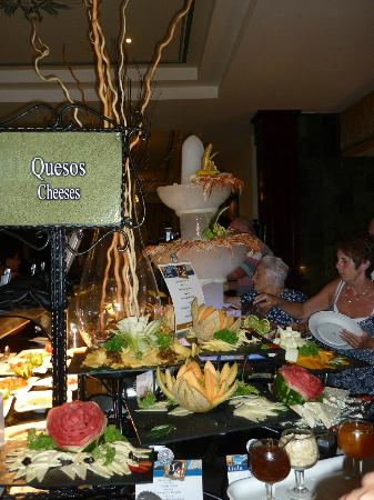 Luxury Bahia Principe Ambar Buffet Restaurant Display