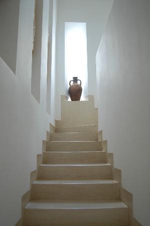 Riad Snan13: Escaleras hacia la terraza