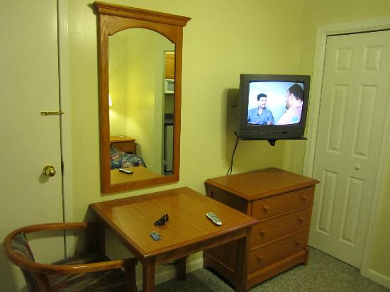 Cool Harbor Motel: Double room