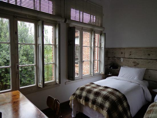 Casa Zinc: algunos de los ventanales de la hab