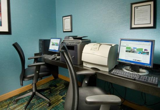 SpringHill Suites Miami Airport South: Computadores para o uso dos hóspedes 
