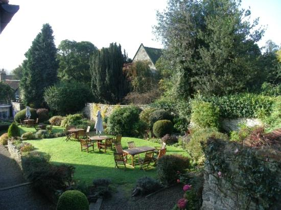 The Black Swan Hotel: beautiful gardens