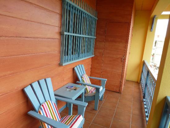 Hotel Casona de la Isla: Balcony in front of room, great place to watch the lake