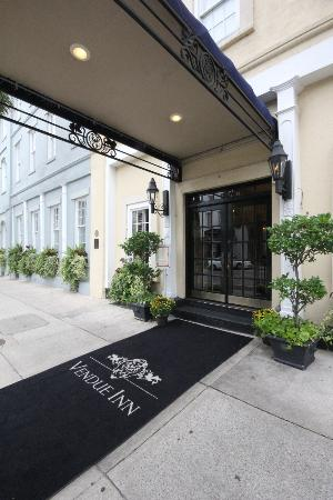 The Vendue Charleston's Art Hotel: Front entrance