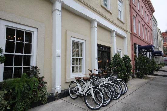 The Vendue Charleston's Art Hotel: Hotel front