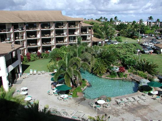 Lawai Beach Resort: Banyan pool from room