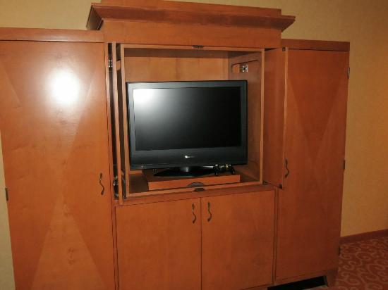Mystic Lake Casino Hotel: TV.