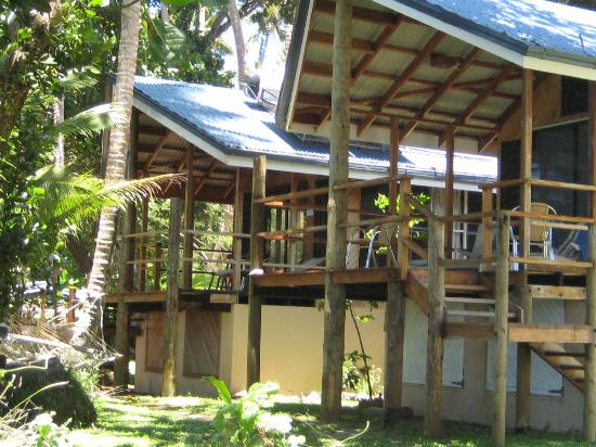 Safari Island Lodge: 2 Beach side units