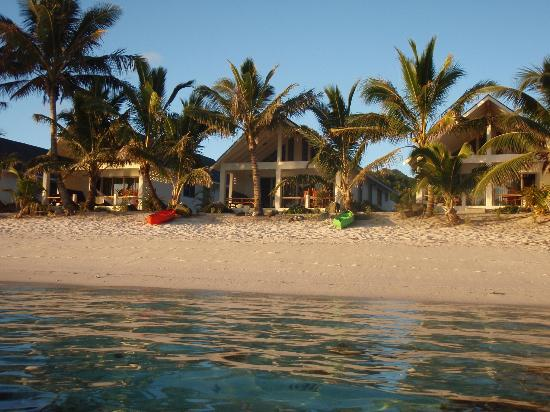Cooks Bay Villas: Our wonderful beachfront Viilas prior to sunset