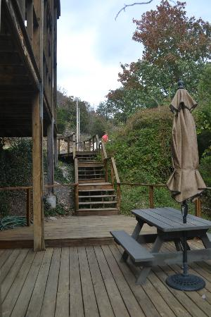 Beaver Lakefront Cabins: the deck walkway down to Suite D
