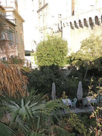 لا ميراند: view from hotel window
