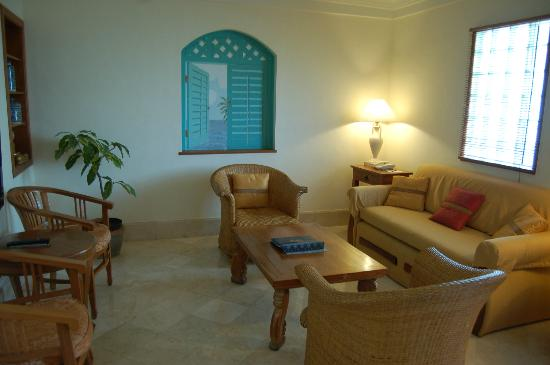 The Jayakarta Bali Beach Resort: Lounge sitting area