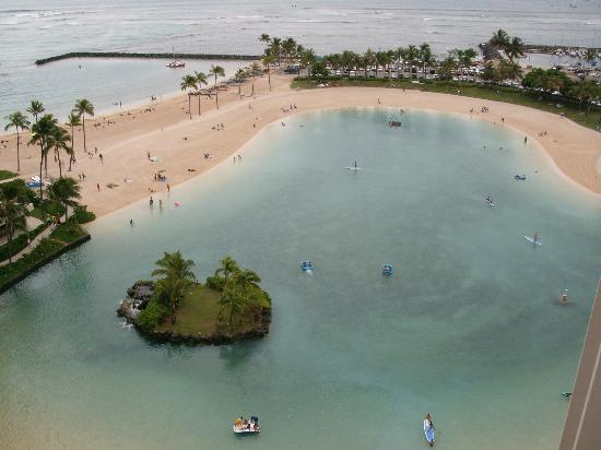 Hilton Grand Vacations at Hilton Hawaiian Village: View from Balcony of Lagoon