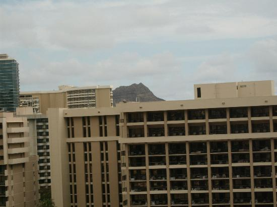 Hilton Grand Vacations at Hilton Hawaiian Village : View of Diamond Head from balcony