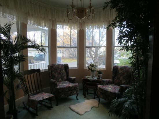 The Norland: Beautiful little reading nook - great spot for coffee!