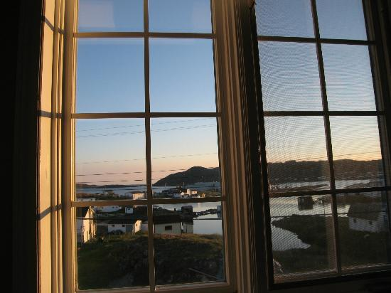 Peg's Place: sunrise from bedroom window