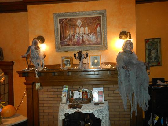 "Brumder Mansion Bed and Breakfast: More ""ghostly guests"" in the sitting Room"