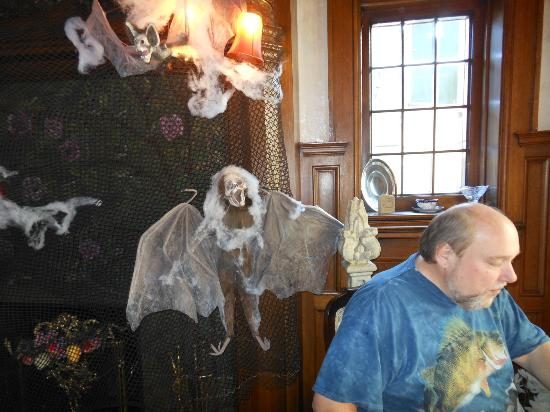 Brumder Mansion Bed and Breakfast: All decked out for Halloween.