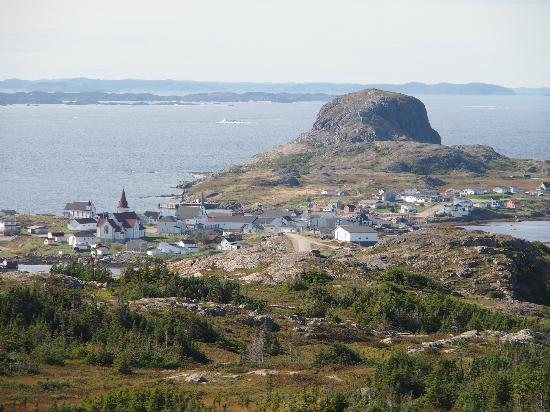 Peg's Place: view of Fogo and Brimstone Head