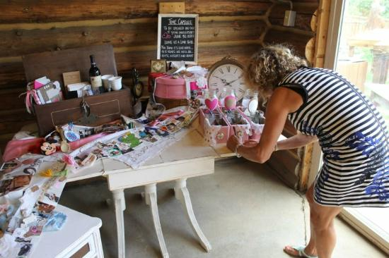Beaver Meadows Resort Ranch : Our Time Capsule in the Log Shelter