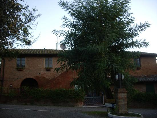 La Casa delle Querce: Front of Casa Delle Querce