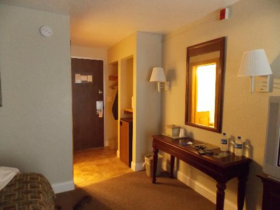 Reagan Resorts Inn: one angle of our room