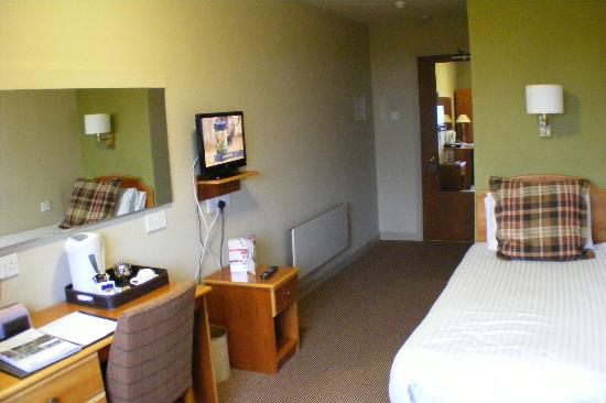 Isle of Mull Hotel & Spa: Smallish room