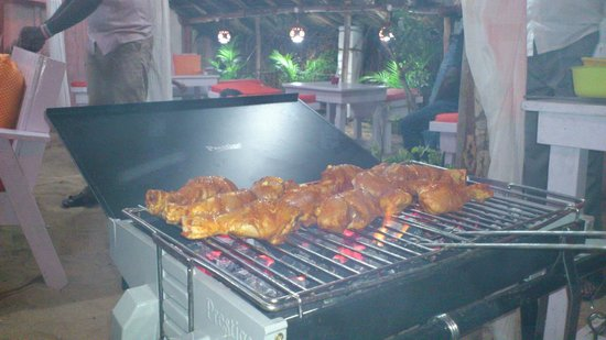 The Serenity Hotel & The FishLion Restaurant : barbeque nights