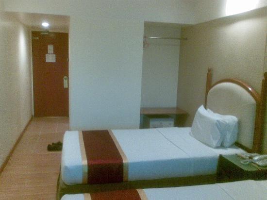 Silam Dynasty Hotel : Door