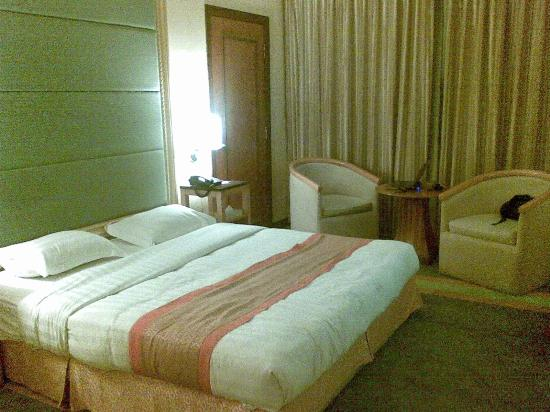 Tang Dynasty Hotel : Bed