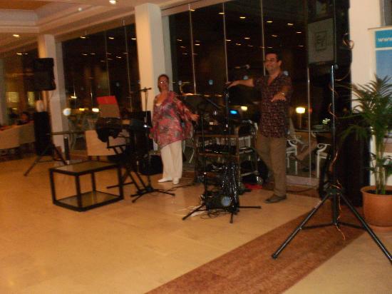 Louis Corcyra Beach Hotel: live music βραδιες
