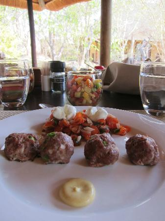 Toro Yaka Bush Lodge: Handmade meatballs lunch