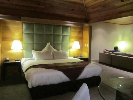 Azur: bed